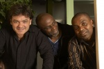 Francis Lassus, Ray Lema & Etienne Mbappe © Jean-Michel Sabatier (2006)